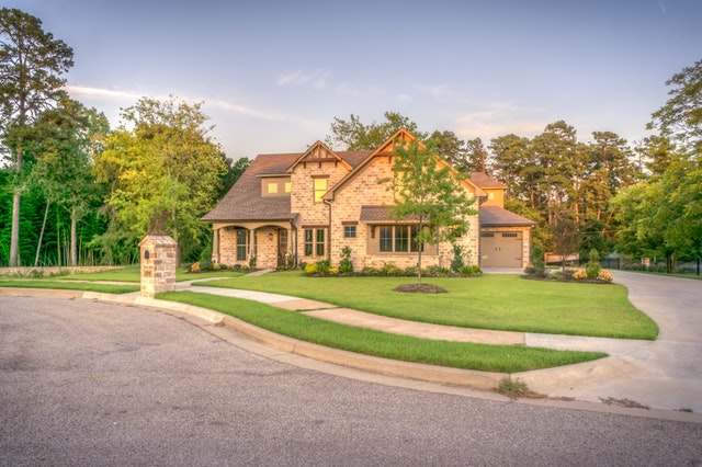 well maintained home with a pleasant curb appeal
